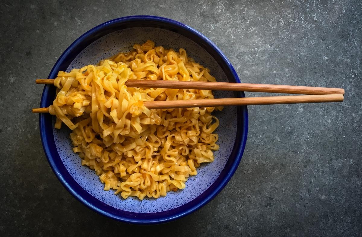 how to cook instant ramen noodles